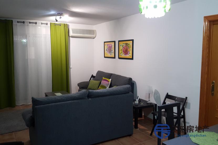 销售位于Aguadulce (阿尔梅里亚省)市中心的公寓