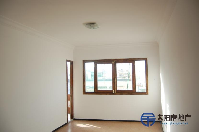 销售位于Las Palmas De Gran Canaria (加那利岛拉斯帕尔马省)市中心的公寓