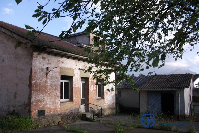 Casa en Venta en San Claudio (Asturias)
