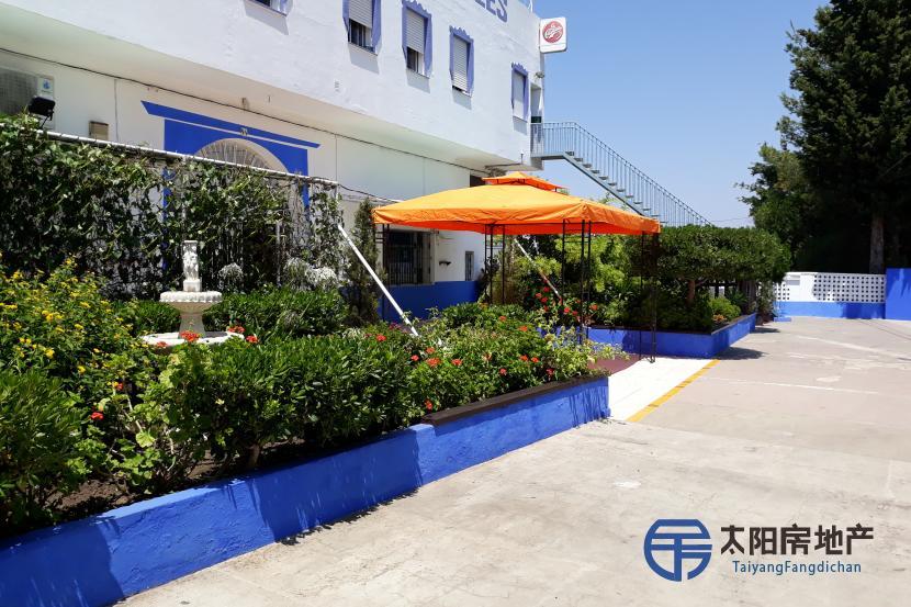 出售位于Algeciras (加的斯省)市外的大楼