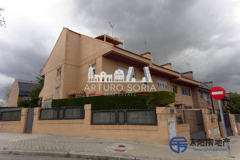 销售位于Sin ciudad ()市中心的别墅