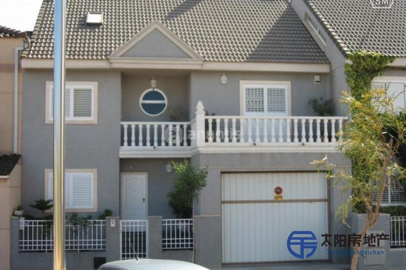 销售位于Almassera (瓦伦西亚省)的别墅