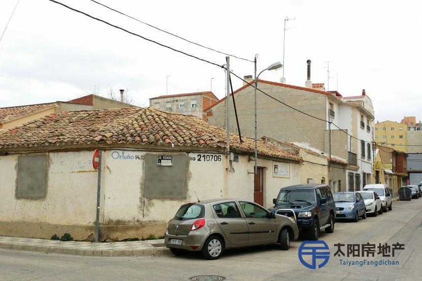 销售位于Albacete (阿尔巴塞特省)的独立房子