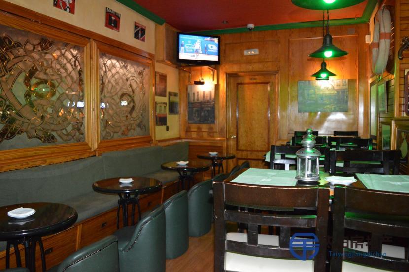 餐馆大厅吧台设计图