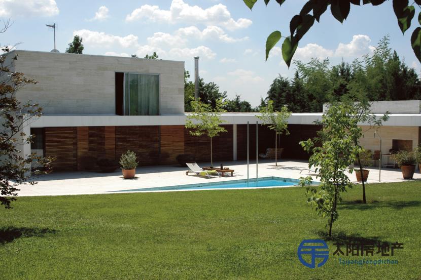 销售位于Las Rozas De Madrid (马德里省)的非家庭用房