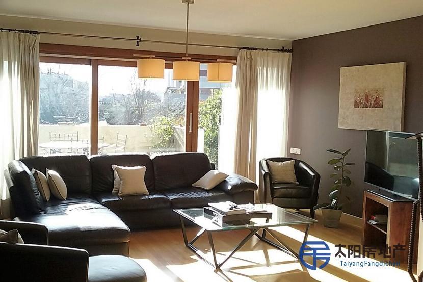 销售位于Madrid (马德里省)市外的复式公寓