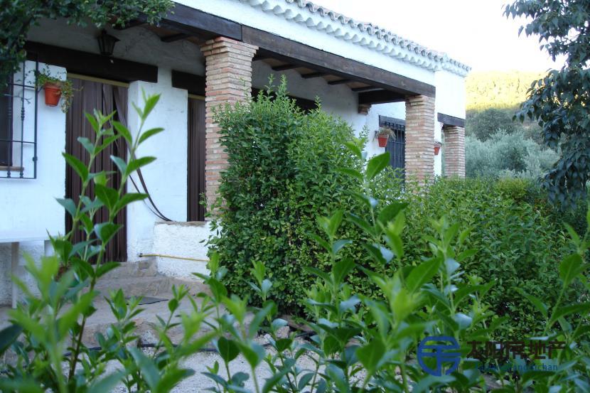 销售位于Hornos De Segura (哈恩省)的独立房子