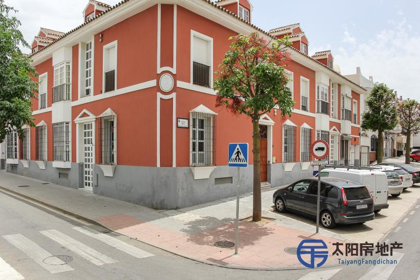 销售位于Chiclana De La Frontera (加的斯省)市中心的独立房子