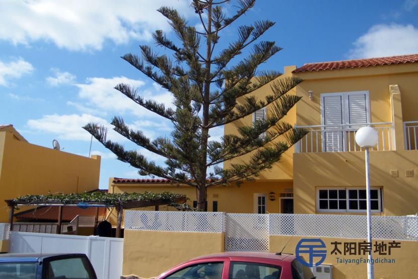 销售位于Parque Holandes (加那利岛拉斯帕尔马省)市外的复式公寓