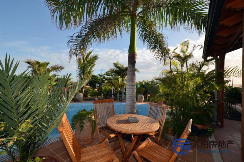 销售位于Parque Holandes (加那利岛拉斯帕尔马省)市中心的郊外别墅