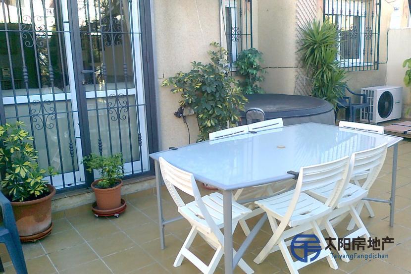 销售位于Orihuela-Costa (Nucleo) (阿里坎特省)市外的独立房子