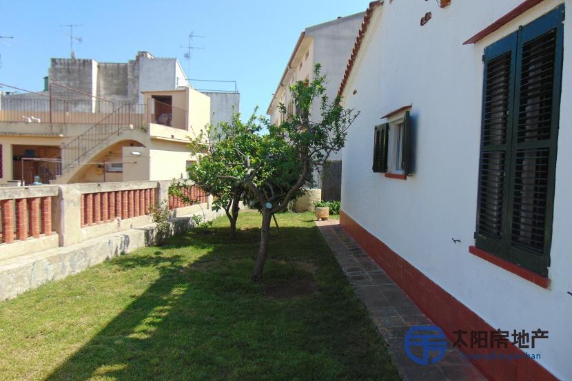 销售位于Arenys De Mar (巴塞罗那省)市中心的独立房子