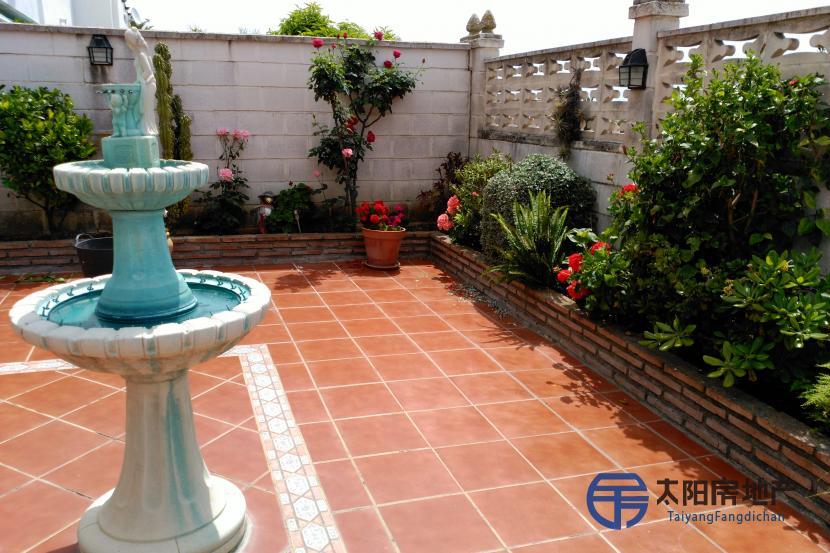 销售位于Marbella (马拉加省)市外的别墅