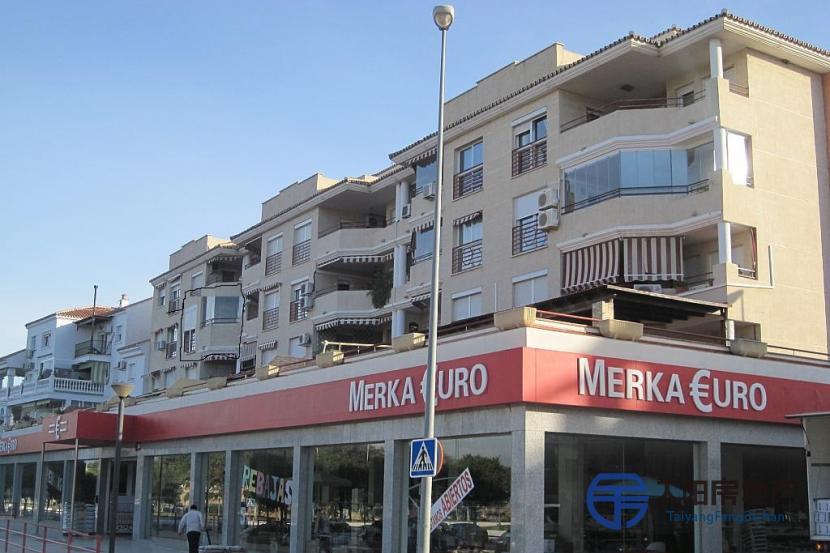 销售位于Torre Del Mar (马拉加省)市中心的公寓