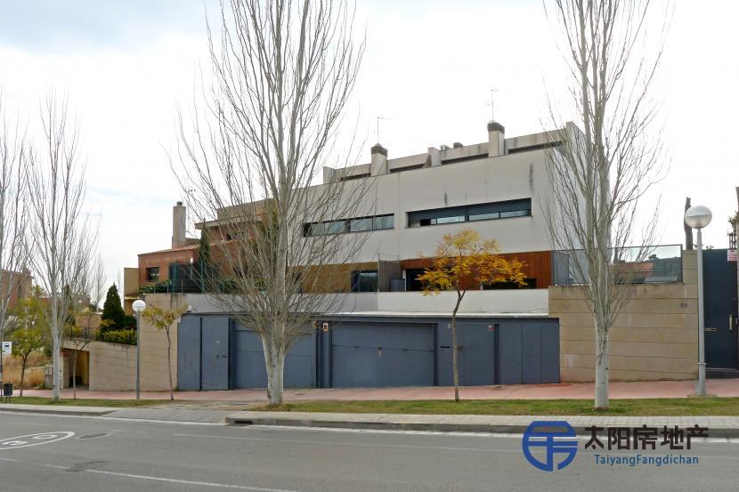 销售位于Tiana (巴塞罗那省)的非家庭用房