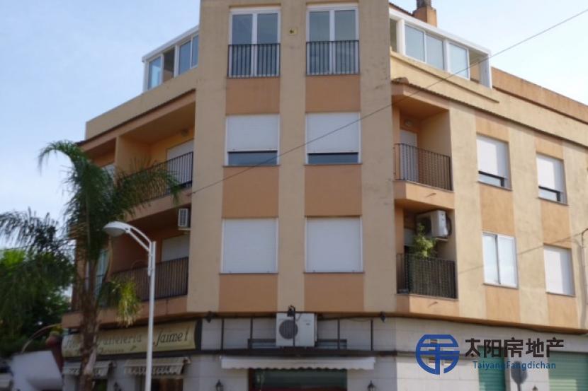 销售位于Monserrat (瓦伦西亚省)市中心的公寓
