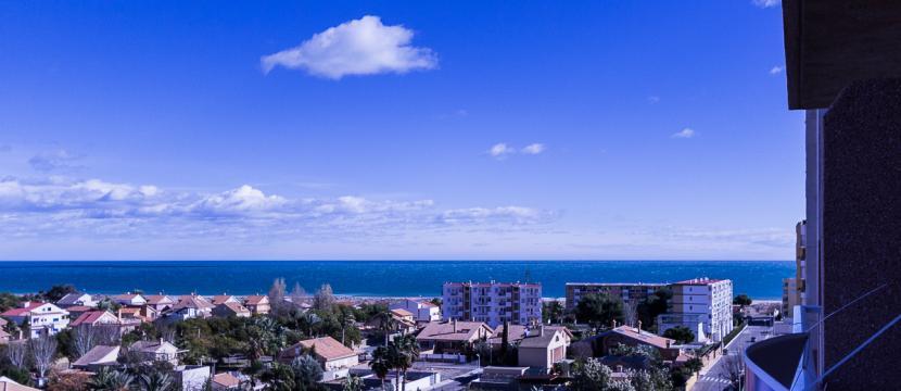 位于Canet de Berenguer海滩的公寓