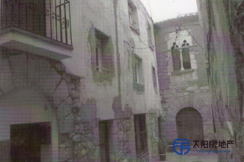 销售位于Vilaverd (塔拉戈纳省)市中心的独立房子