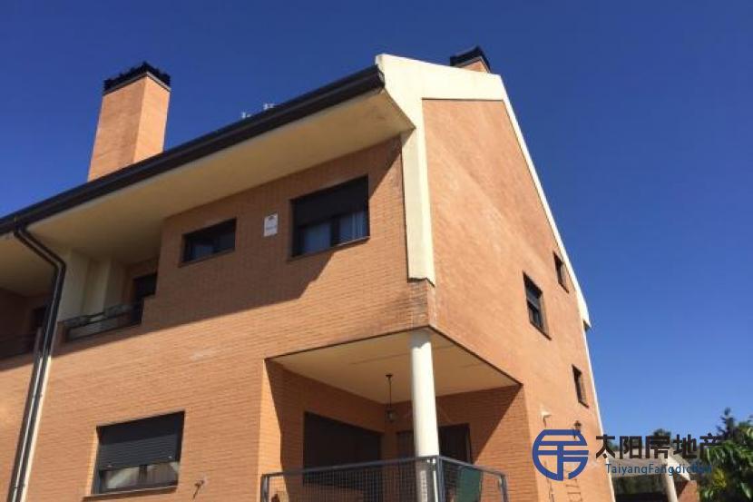 销售位于Campo Real (马德里省)市外的别墅