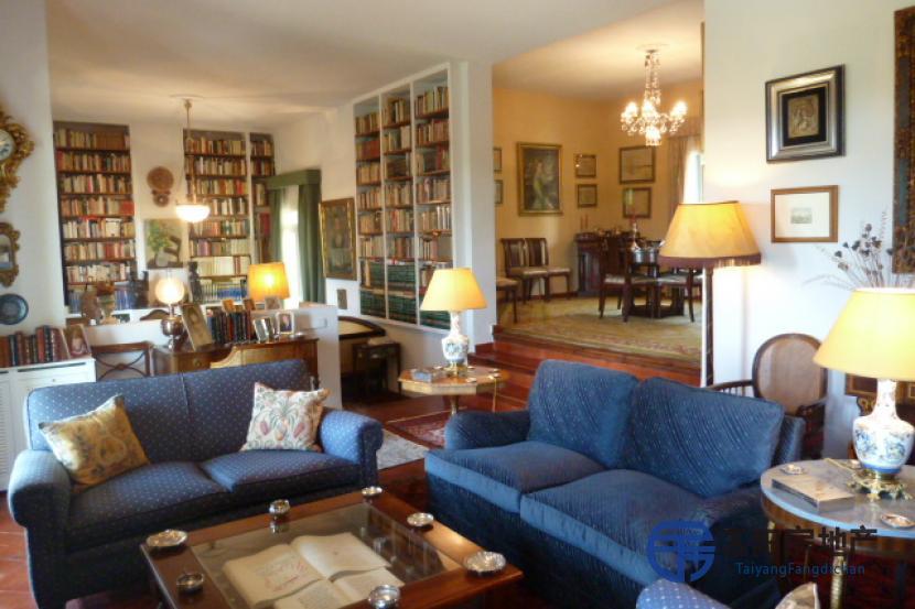 销售位于Las Rozas De Madrid (马德里省)的别墅