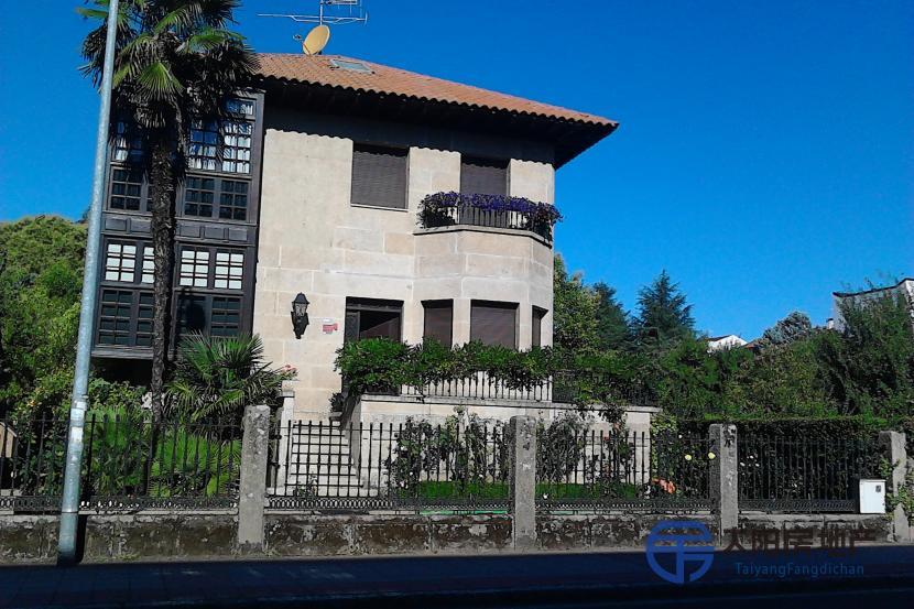 销售位于Madrid (马德里省)市中心的别墅