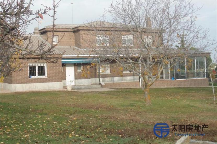 销售位于Brieva (阿维拉省)的别墅