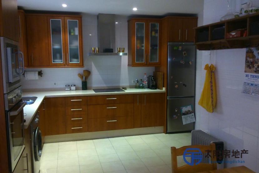 销售位于Utrera (塞维利亚省)的非家庭用房