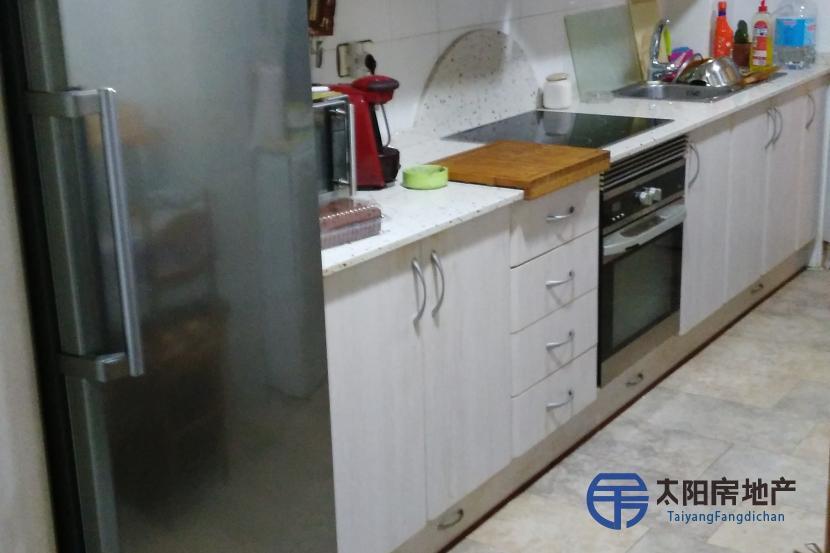 销售位于Molina De Segura (穆尔西亚省)市中心的公寓