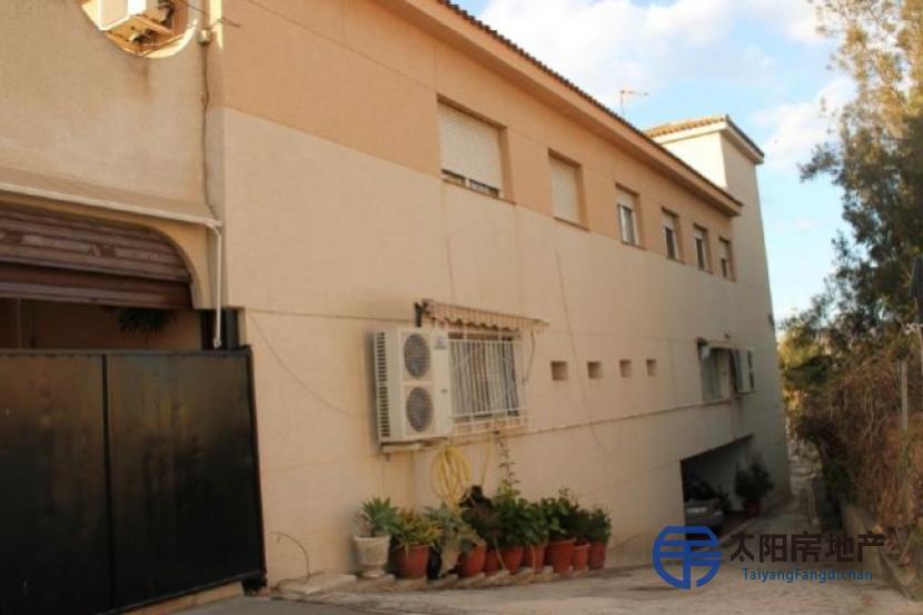 销售位于Alicante/Alacant (阿里坎特省)市外的酒店