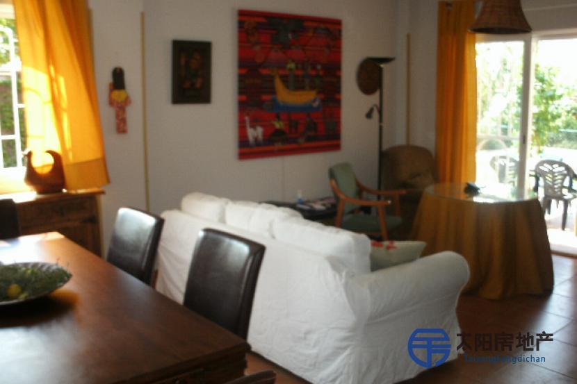 销售位于Chiloeches (瓜达拉哈拉省)的别墅