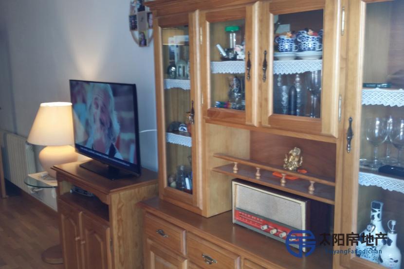 销售位于Molins De Rei (巴塞罗那省)市中心的公寓