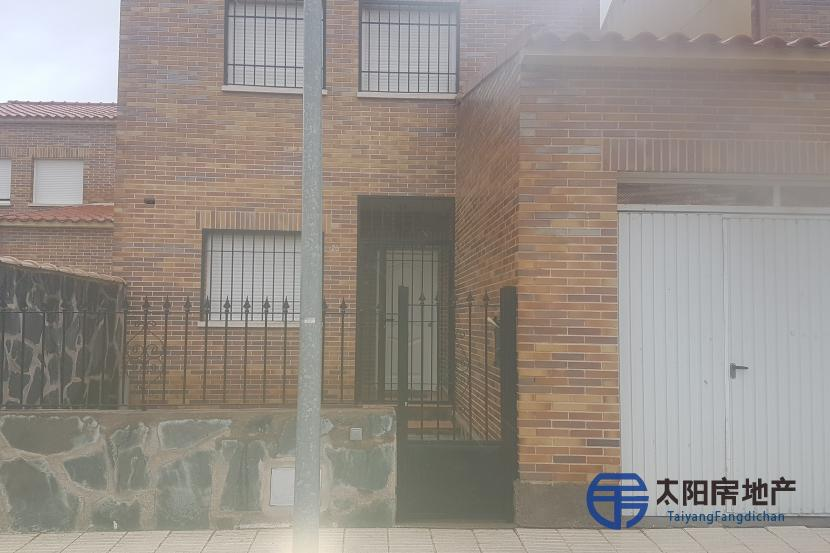 销售位于El Casar De Escalona (托莱多省)的别墅