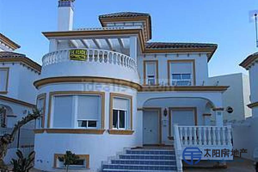 销售位于Vera-Playa (阿尔梅里亚省)的别墅