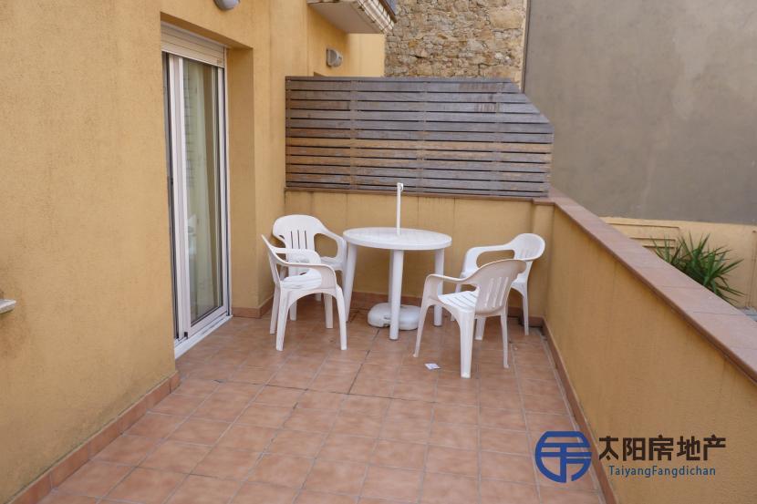 销售位于Palamos (赫罗纳省)市中心的公寓