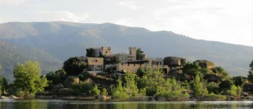 VILLA IN PRIVATE ISLAND OF 10,000 M2 WITH NICE VIEWS