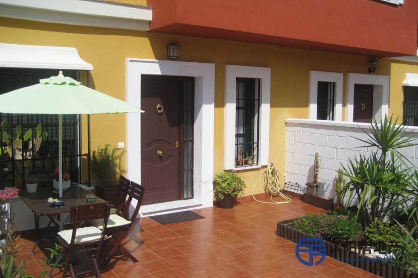 销售位于Guillena (塞维利亚省)的独立房子