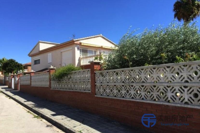 销售位于Roda De Bara (塔拉戈纳省)的独立房子