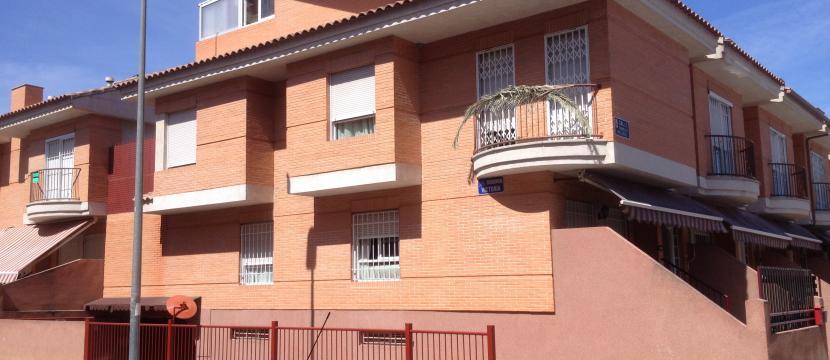 阳光灿烂的大角的复式房子 MURCIA