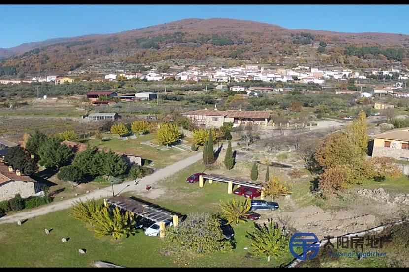 Venta de hotel en la Sierra de Gredos en pleno funcionamiento
