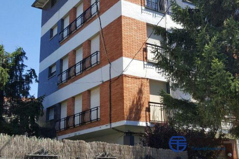 销售位于La Seu D´Urgell (莱里达省)市中心的大楼