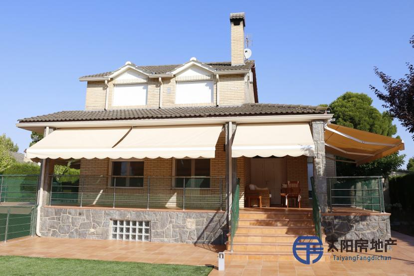销售位于La Muela (萨拉戈萨省)的别墅