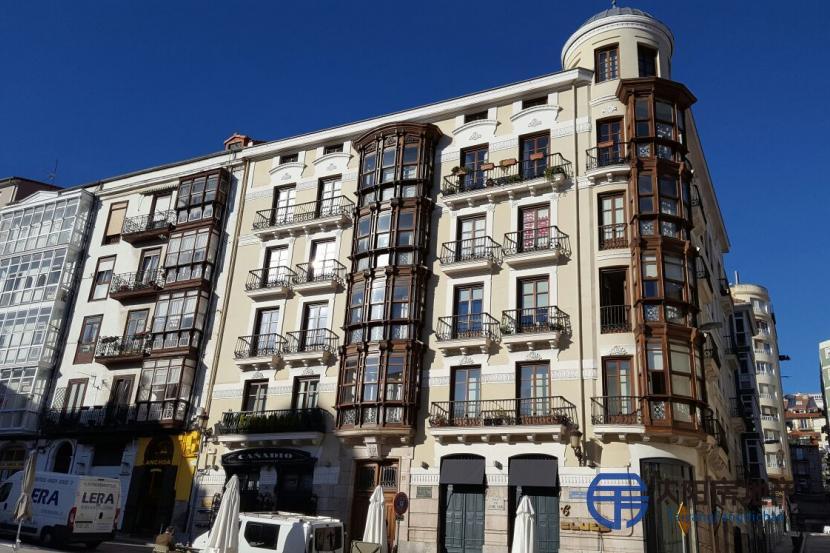 销售位于Santander (坎塔布里亚省)市中心的公寓