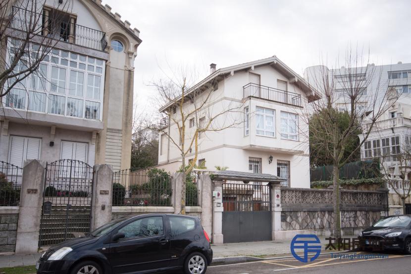 出售豪宅位于桑坦德最好的街道