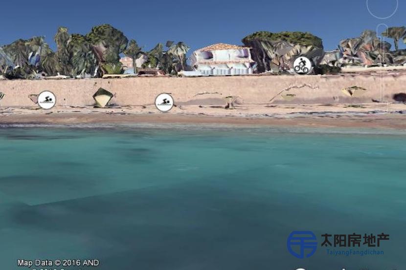 在一级海滩最后的小块土地...