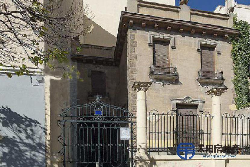 大厦在萨拉曼卡区(马德里)