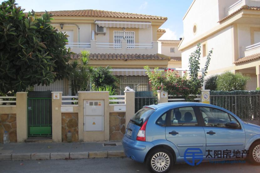 Duplex en Venta en Torre De La Horadada (Alicante)