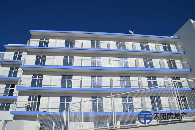Hotel a estrenar a 200 metros de la playa y a 40 km de Barcelona