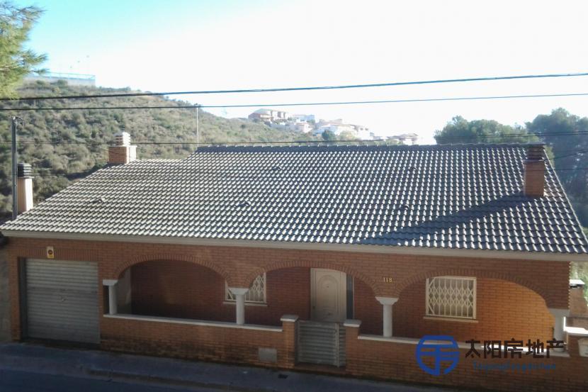 销售位于Sant Vicenç Dels Horts (巴塞罗那省)市外的别墅