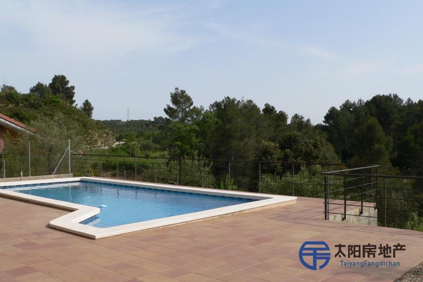 销售位于Terrassa (巴塞罗那省)的独立房子