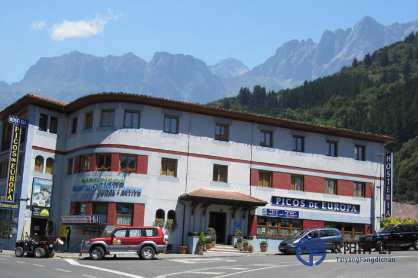 国家公园的入口处PICOS DE EUROPA有旅馆出售